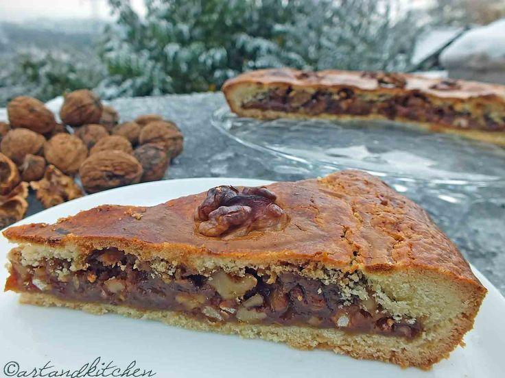 Engadiner Nusstorte (or Bündner Nusstorte) a Swiss Walnut Pie: Foodies Goodies, Good Ideas, Walnut Pies, Caramel Pies, Swiss Walnut, Bündner Nusstort, Swiss Food, Delicious Food, Engadin Nusstort