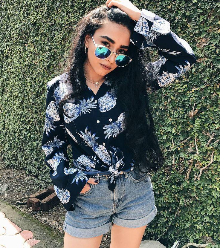"700 Likes, 19 Comments - Neha Menghwani | Stylessential (@neha_menghwani) on Instagram: ""Coming soon on the blog feat. @iknowstudioTill then, enjoy the sneak peek ⚡ . #NehaMenghwani…"""