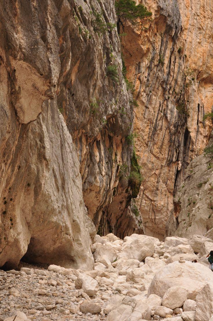 Gorropu gorge in Sardinia - La gola selvaggia di Gorropu in Sardegna http://betogo.eu/Trekking-a-Gorropu