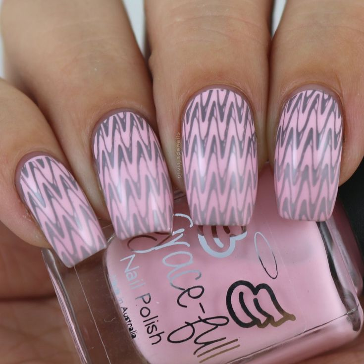 The Digit-al Dozen Does Stamping: Gradient Stamping by Olivia Jade Nails