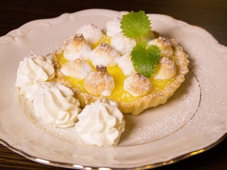 Minipajer med citron och maräng   Recept.nu