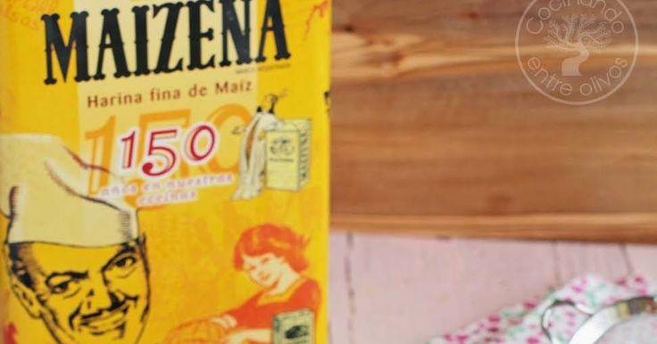 Hoy os enseño cómo preparar paso a paso un Bizcocho de Maizena , un bizcocho muy suave y esponjoso que gusta a todo el mundo, sobre todo...