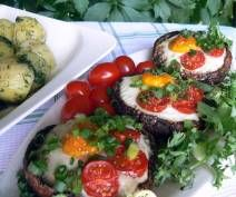 Jajka zapiekane w portobello