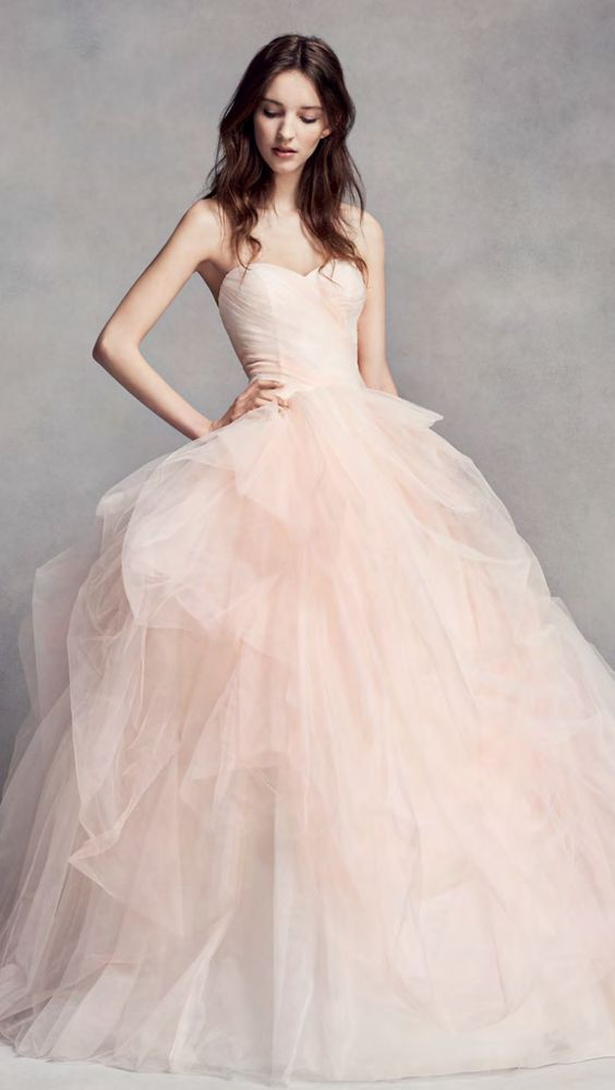Wedding dress idea; Featured Dress: WHITE by Vera Wang More: www.coniefoxdress.com #coniefoxreviews #prom2k