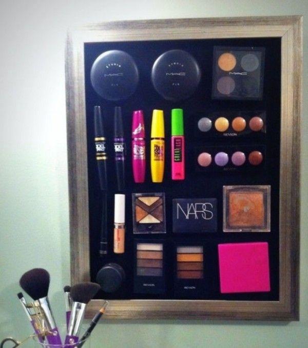 Une plaque magnétique pour le rangement du maquillage  http://www.homelisty.com/rangement-maquillage/