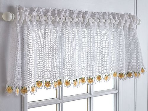 A valance is a half-curtain and this free Talking Crochet pattern by Diane Stone offers a great choice if that's what you're looking for in your crochet curtain!
