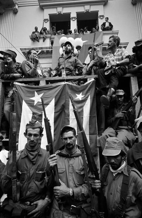 Fidel Castro, arriving in the town liberated by Ernesto Che Guevara, delivers a speech that lasts for hours, Santa Clara ca. 1959
