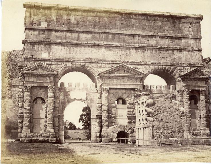 Italie, Roma, Tomba di Fornaio Vintage albumen print Tirage albuminé 20x25 Circa 1875