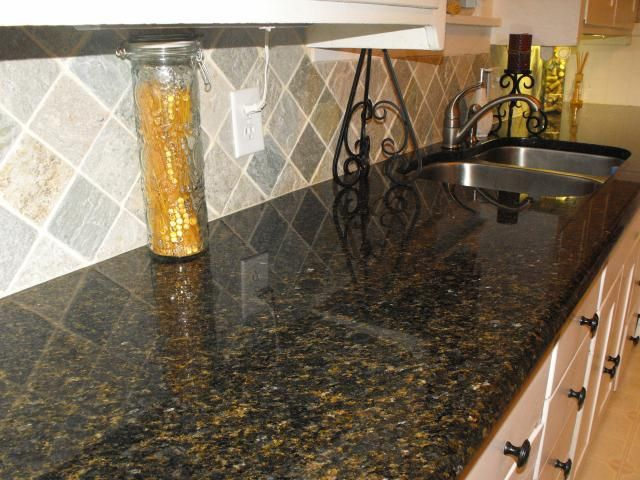 Ubatuba Granite This Gray And Gold Backsplash Goes Really Well And The Cabi