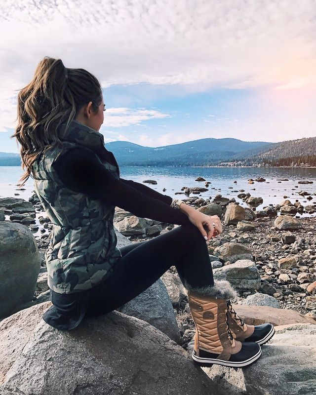c56f6bf5dcc winter Girls Outfits with Hiking Boots-26 Ways to Wear Hiking Boots