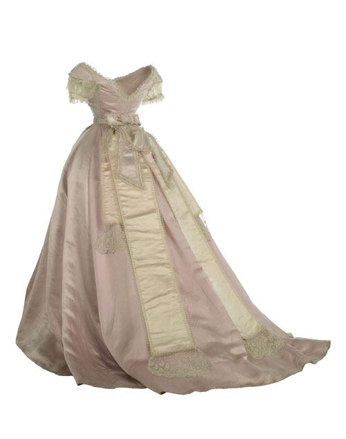Ball gown ca. 1870 From the Museo del Traje