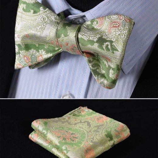 Luxusný hodvábny set - motýlik a vreckovka so vzorom v zelenej farbe