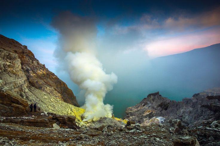 """Piekielny wulkan Indonezji: """"Tu nawet sprzęt fotograficzny odmawia współpracy"""""""