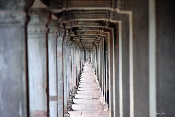 https://flic.kr/p/HUQCH6 | Angkor Wat corridor Cambodia | Angkor Wat corridor Near Siem Reap city at #Cambodia. #Buddist temple of #unesco world heritage. Old civilisation.  Many thanks to all those who View, Comment and or Fave My Photos... It is greatly appreciated... Vincent ;)  Yotube video here : youtu.be/i9sr7I1fyo4  Available on #getty in few days.   Check it out my Portfolio:  GETTY IMAGES Maybe you like this: /  Facebook  /  Twitter / Google+ /  Blogspot  /  Pinterest  /  Tumblr…