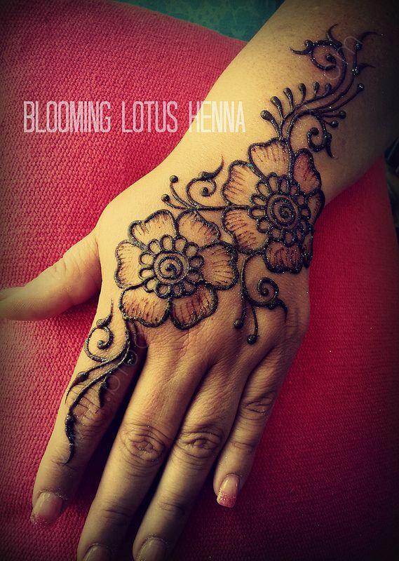 Mehndi Henna Flowers : Vines and flowers henna strip hand mehndi