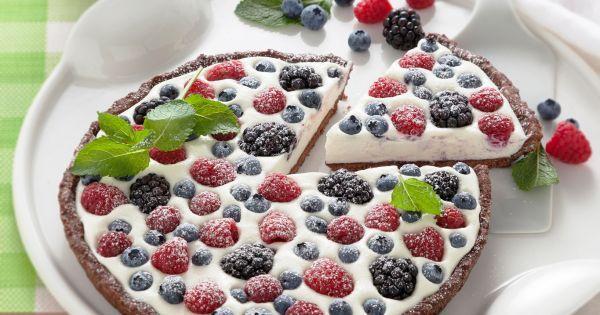 Dalle cheesecake fredde alle crostate che si rassodano in frigo, alle classiche torte gelato: scopri 10 ricette di torte facili da fare, senza cottura!