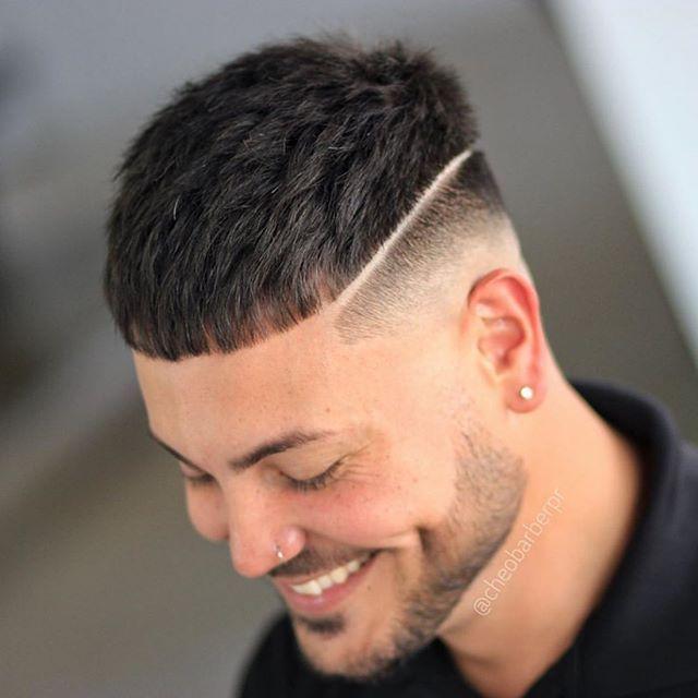 75 Manner Kurze Verblassende Frisur In 2020 Frisuren Manner Frisur Kurz Teenager Haarschnitt