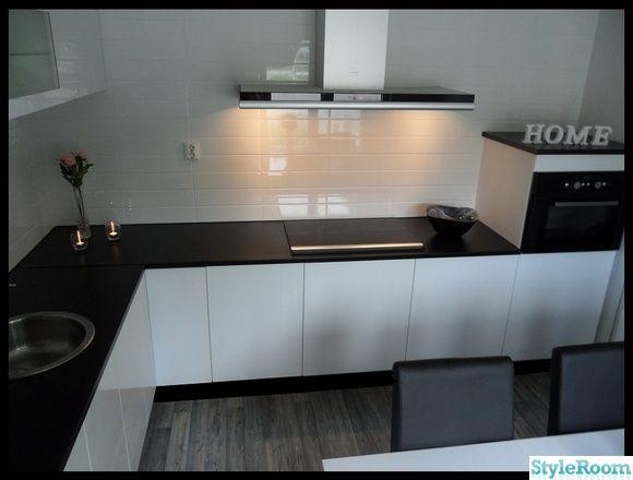 högblankt vitt kök