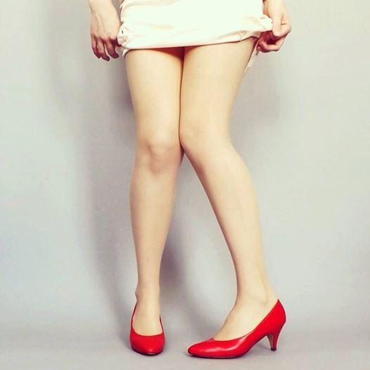 Vintage Size 9.5 Womens 1980's Retro Red Pumps High Heel Shoes Kitten Heel Huggers Sexy Pin up Girl Mad Men 1950's Prom Burlesque Dance