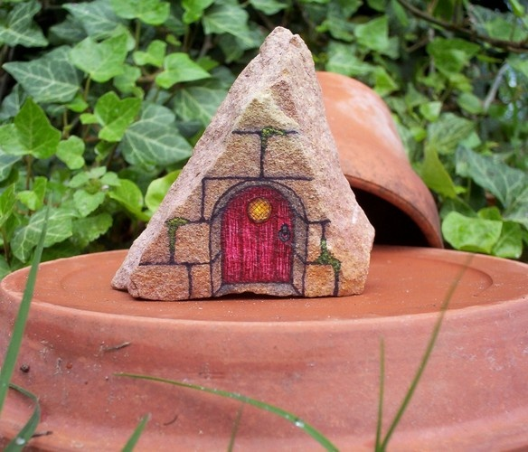 'Tiny Red Fairy Door - OOAK Hand Painted Rock Art' is going up for auction at 3pm Sat, May 11 with a starting bid of $5.