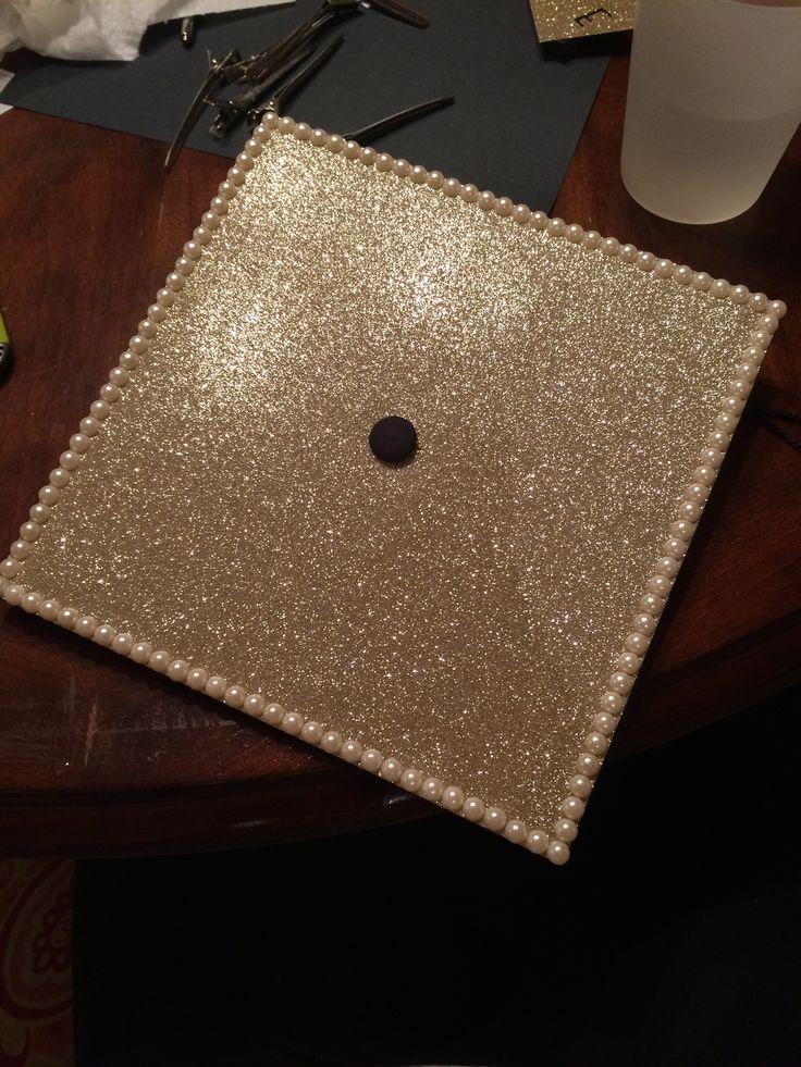 Graduation cap. Gold glitter pearls simple