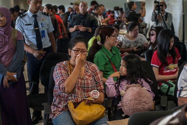 UPDATE Sunday 12:00 EST - #AirAsia Flight #QZ8501still not found