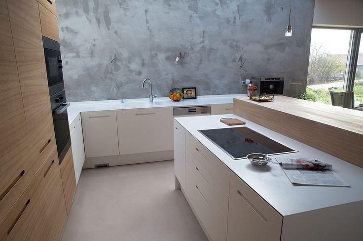 Neobyčejná kuchyň v neobyčejném domě   nábytek LE BON