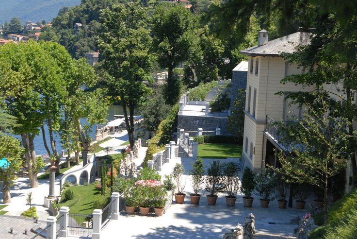"""For most of us, #September brings with it summers end. What better moment to take care of yourself and get ready for a new start? Stay tuned for a """"special"""" Fall with #CastaDiva #Resort & #Spa! In the meantime we wish you a lovely week end from #LakeComo... www.castadivaresort.com"""