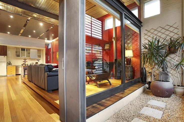 Indoor/Outdoor living -       BRUNSWICK, 6 Merri Street