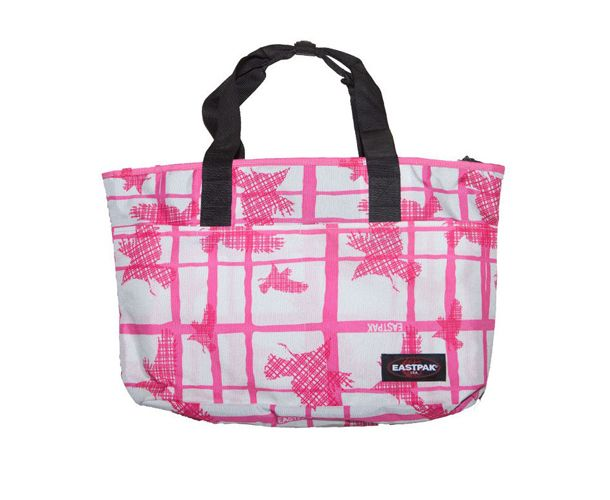 This versatile shopper can be used as a handbag, work bag, baby bag and even beach bag with its super durable, water resistant fabric.