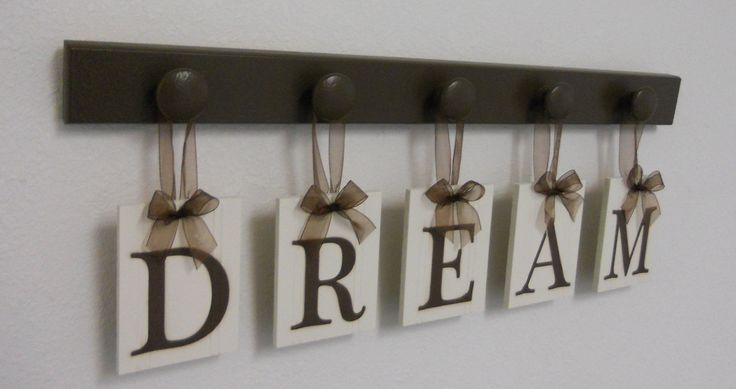 DREAM Sign Wall Decor Hanging Wall Letter Sign with 5 Wooden Hangers Brown Bedroom Wall Decor.