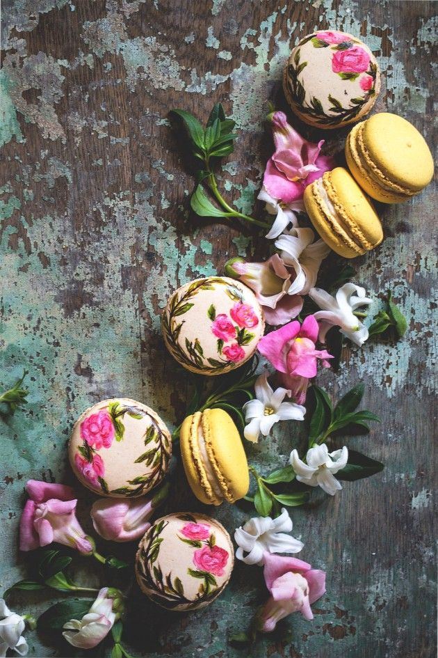 Food Styling - Stylisme culinaire - Estilismo de alimentos  - Hand Painted Earl Grey Macarons | Bakers Royale