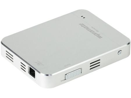 Promate Promate Scope  — 31560 руб. —  Scope- карманного размера инновационный проектор с двумя входами HDMI/MHL, позволяющий с легкостью носить с собой 50 дюймовый экран. Супер яркая DLP LED лампа проектора способна выдавать яркость до 50 люмен. Встроенный заряжаемый аккумулятор емкостью 2800 mAh позволяет работать устройству без подзарядки до 2 часов и также он может выступать в качестве резервной батареи для смартфона. Этот инновационный прибор позволяет проецировать изображения или любой…