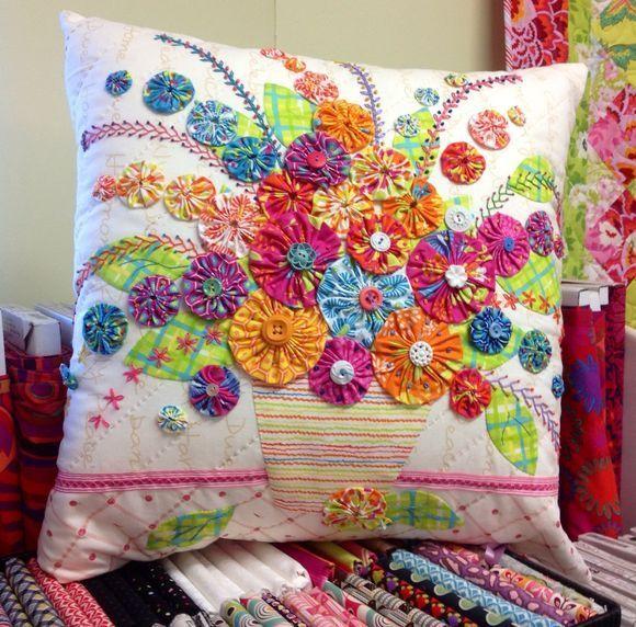 yo-yo flowers pillow.