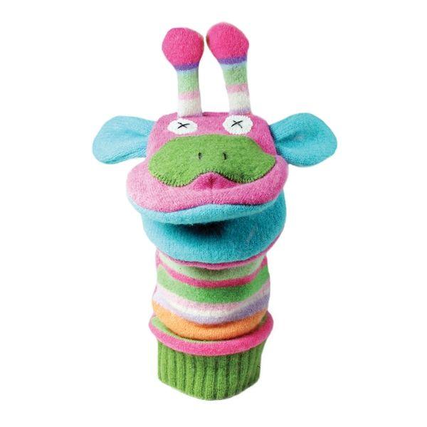 cate-levi-marioneta-hand-puppet-kamilopardali
