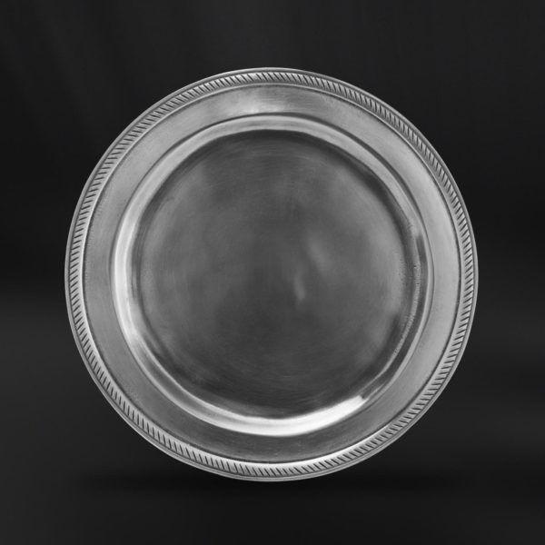 Pewter Bread Plate - Diameter: 17 cm (6,7″) - Food Safe Product - #pewter #bread #plate #peltro #piattino #pane #zinn #brotteller #teller #zinnteller #étain #etain #assiette #plat #peltre #tinn #олово #оловянный #tableware #dinnerware #table #accessories #decor #design #bottega #peltro #GT #italian #handmade #made #italy #artisans #craftsmanship #craftsman #primitive