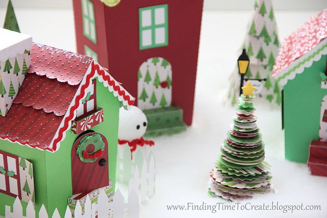 Christmas Village Tutorial: Village Tutorials, Christmas Crafts, Christmas Glitter, Paper Christmas, Videos Tutorials, Christmas Villages, Cardboard Houses, Village Houses, Paper Houses