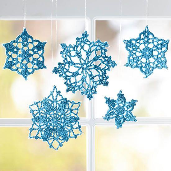 flocons bleus décoratifs à suspendre                                                                                                                                                      Plus
