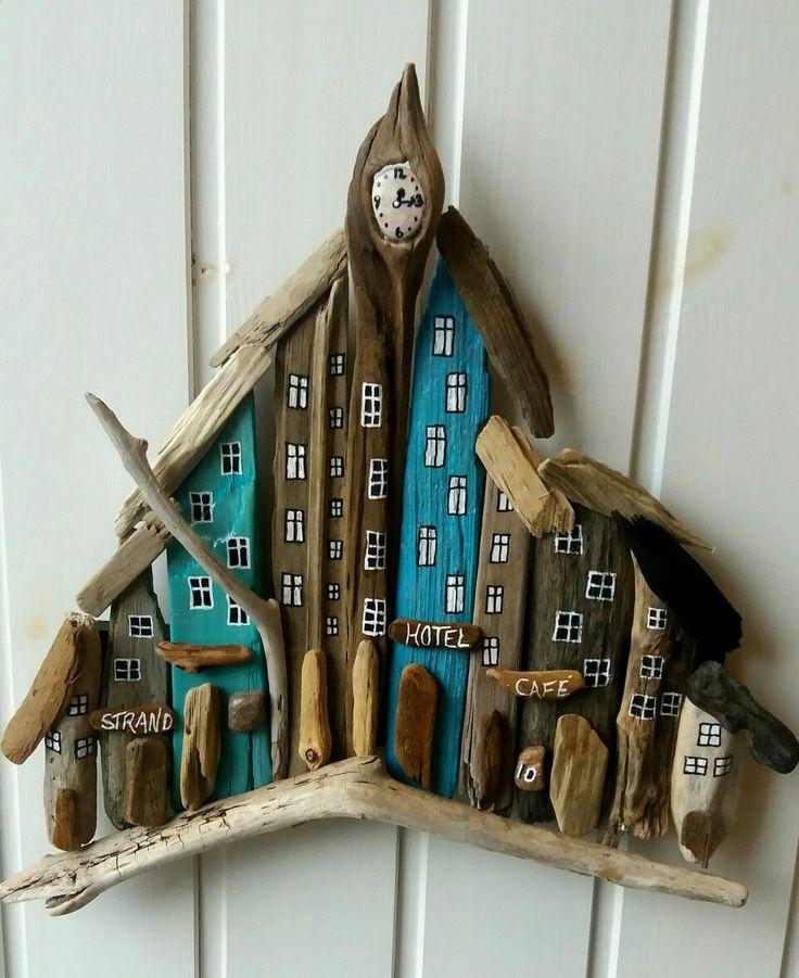 smal driftwood town/houses af EVAS.