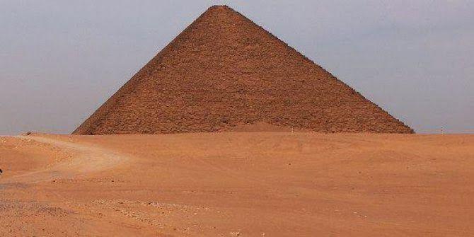 Piramida Merah