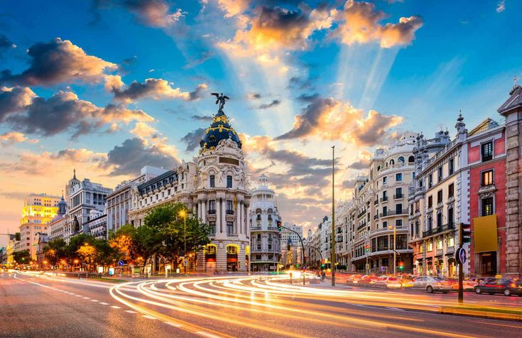 Travel to Madrid on a Luxury Budget in 2018.
