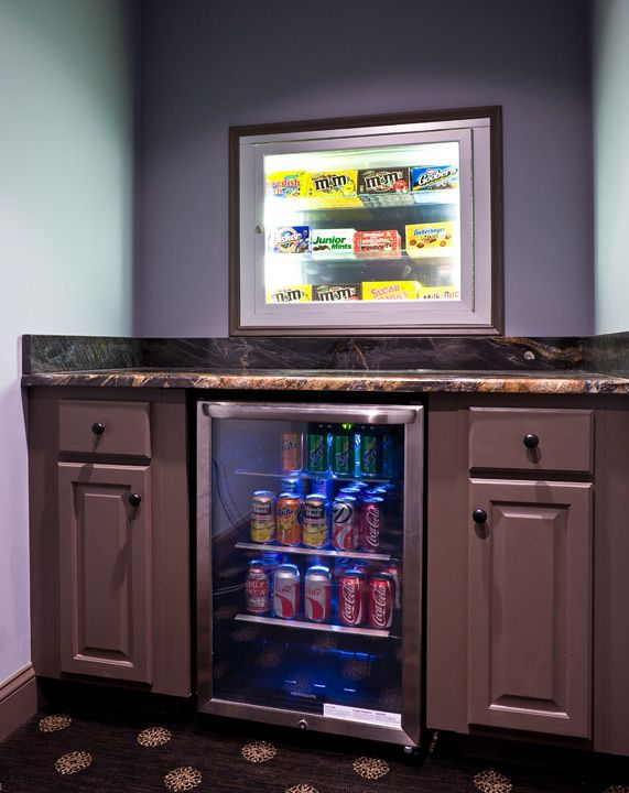Home theater concessions nook | Entertaining for Everyone | CEDIA Home Theater Installers | More at http://www.cedia.org/inspiration-gallery/entertaining-for-everyone