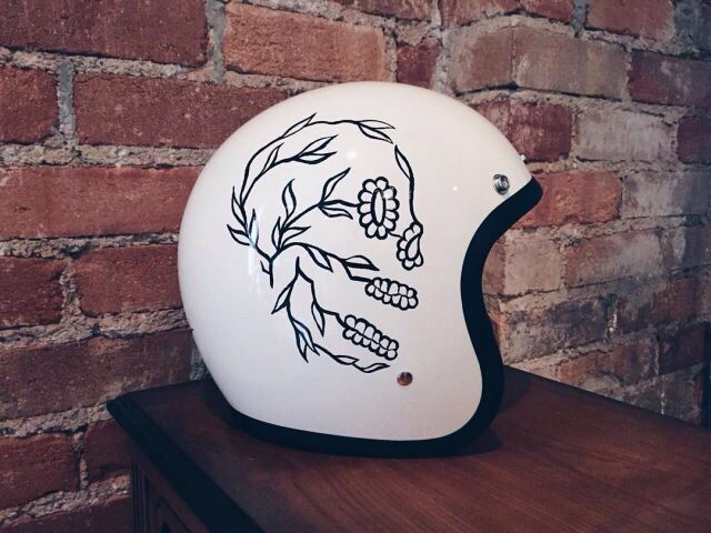 Classic custom helmet paint hand