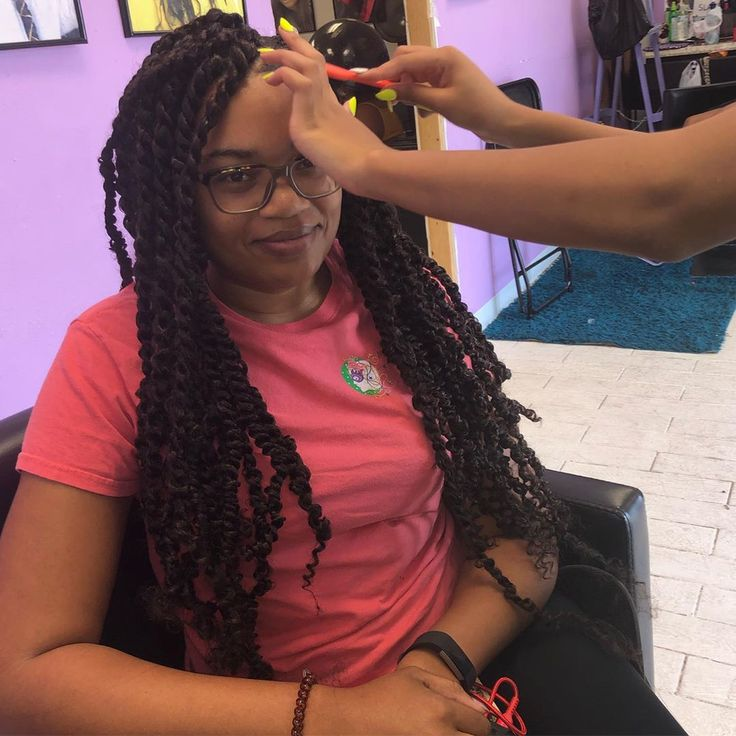 Beautiful twist by Helen Davidson.braider  Aliyah #nolabraiderTeam  Stop and visit the link in the bio www.nolabraider.com to view pics and book your ...
