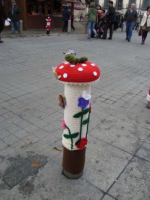 Yarnbombing. Would love to see this in my street!