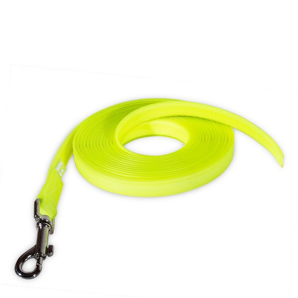 The IDC® Lumino leash! This leash is glowing (phosphoresce) in the dark. It's a strong polyester strap with optimal adherence, covered with silicon-like material, tested and proved on load tests.