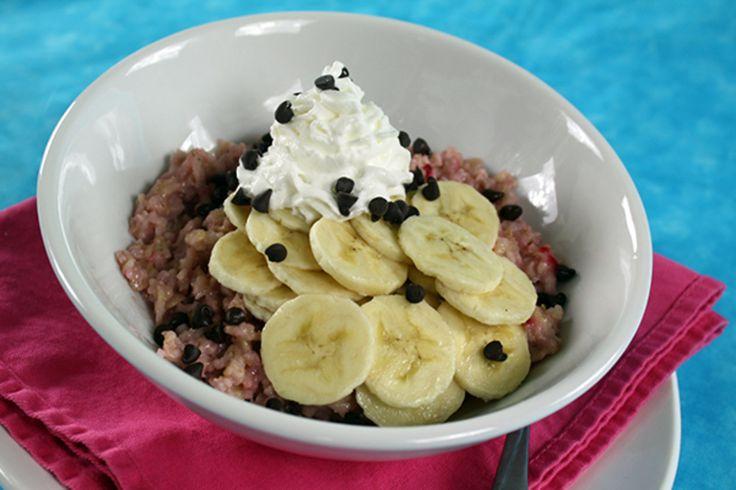 Banana Split Oatmeal Recipe | Hungry Girl