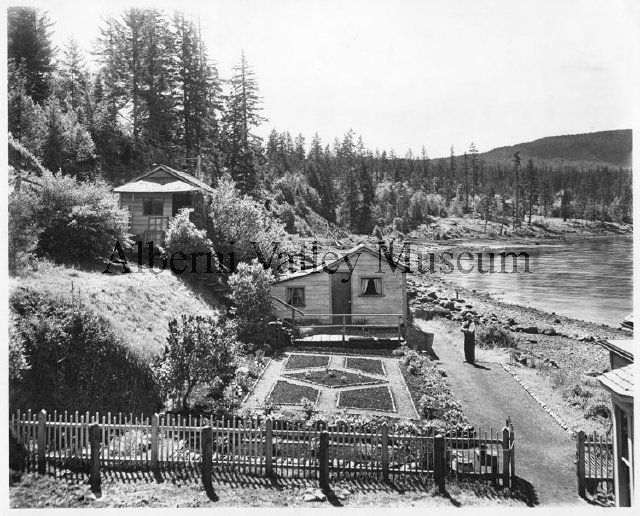 PN00572  Homes of A.E. Waterhouse and Captain Fox, c1908.  [Alberni Valley Museum Photograph Collection]
