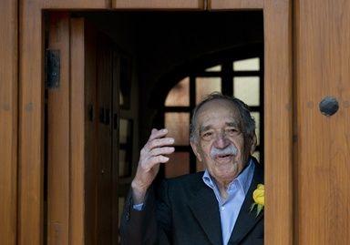 ガルシア・マルケス氏は3月31日、脱水症および肺と尿路の感染症で入院した。メキシコの保健省は「治療の結果が出ており、抗生物質の投与が終われば、退院に向けた検査が行われる」と発表した。- AFP   ガルシア・マルケス氏が入院、ノーベル文学賞作家
