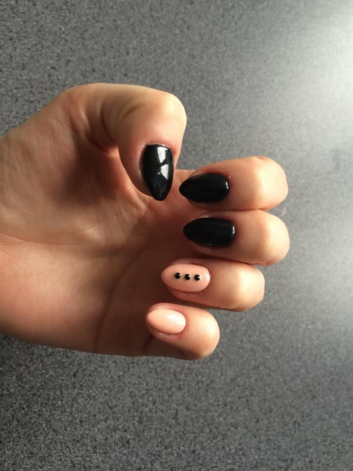 Pink: Color Tale, Black: Candy Lover 107